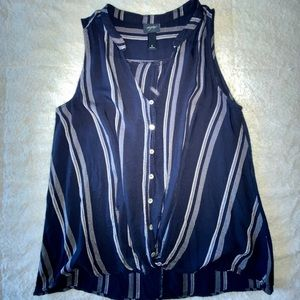 Woman top From Buckle
